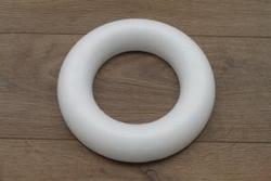 Styropor Ring mit flacher Rückseite