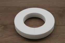 Styropor Ring met platte zijden