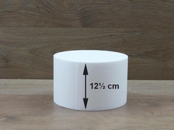 Round cake dummies with straight edges of 12,5 cm high