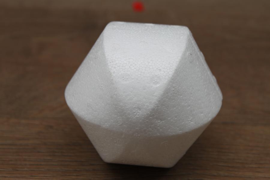 Styroporkugel Ø 10 cm - 6 eckig