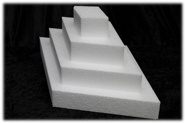 Diamond cake dummies with straight edges of 4 cm high