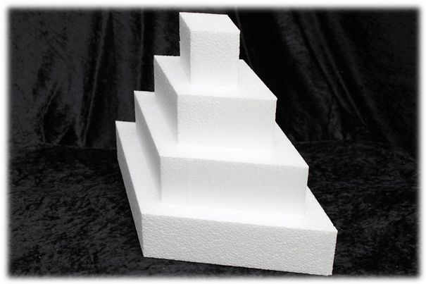 Diamond cake dummies with straight edges of 7 cm high