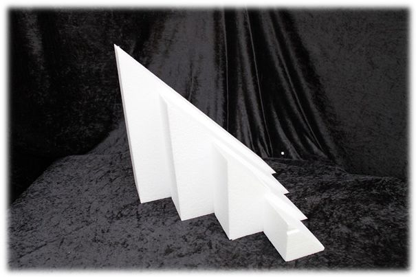 Triangle cake dummies with chamfered edges of 7 cm high
