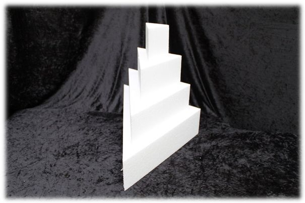 Triangle cake dummies with straight edges of 7 cm high