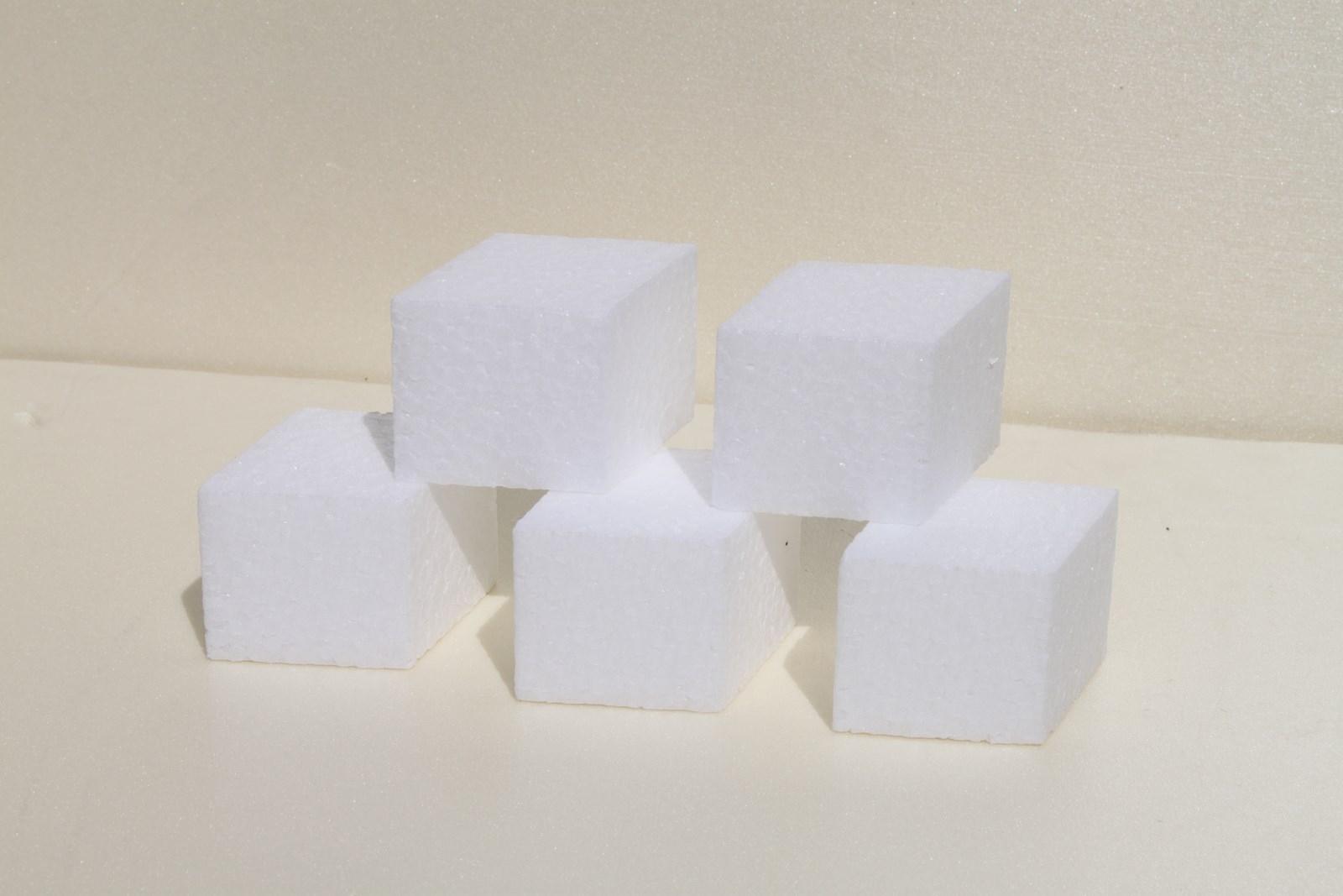 Mini diamond cake dummies