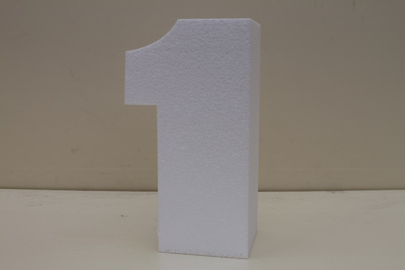 Number cake dummies with straight edges of 4 cm high