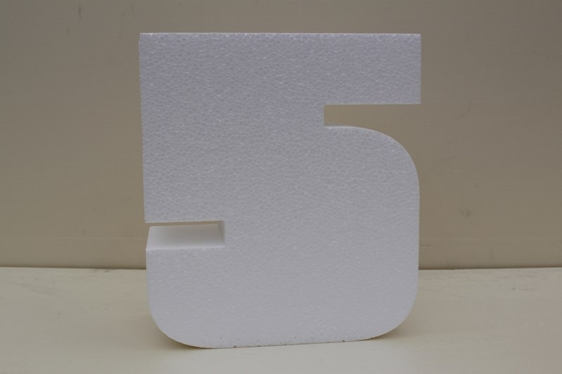 Number cake dummies with straight edges of 5 cm high
