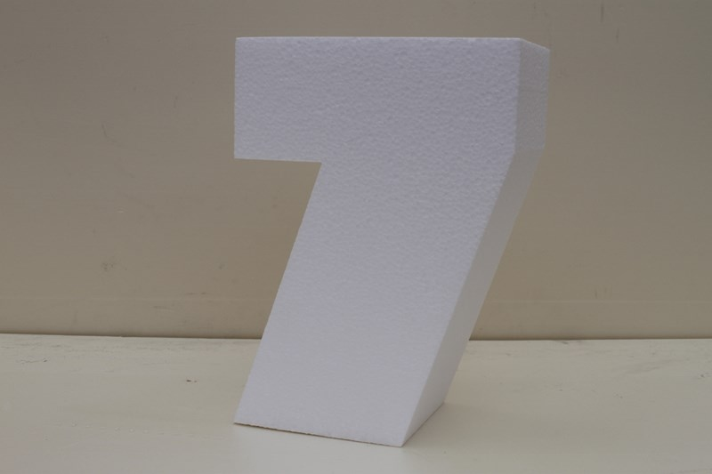 Number cake dummies with straight edges of 7 cm high