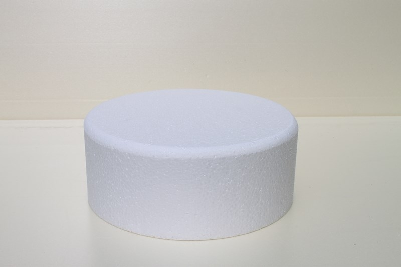 Round cake dummies with chamfered edges of 10 cm high