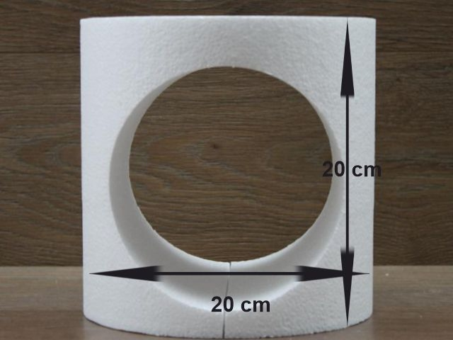 Round cake dummy with cut out