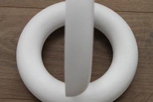 Styropor Ring met platte achterkant