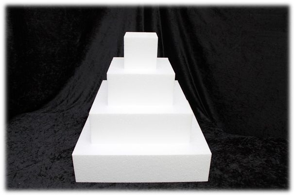 Square cake dummies with straight edges of 10 cm high