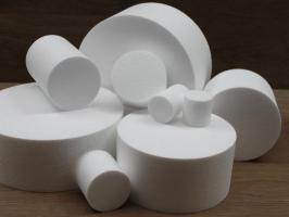 Round cake dummies with straight edges